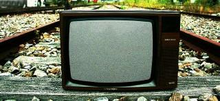 ネットばっかり見てないで、テレビ見ろ!